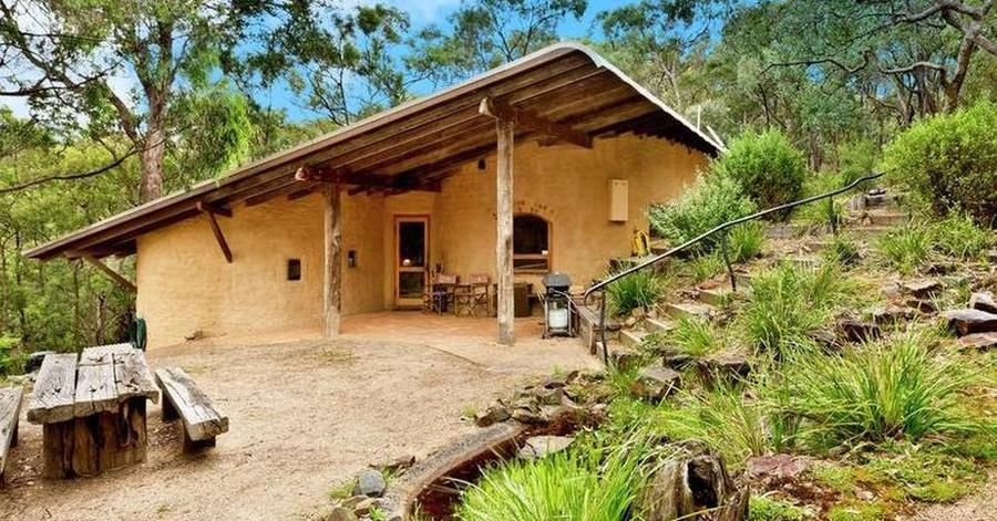 Terre crue et bois pour cette maison australienne  Build Green