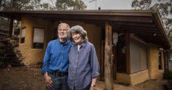 Une-Terre crue et bois pour cette maison australienne
