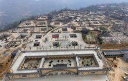 1-mole-town - Sanmenxia, Chine © boredomtherapy