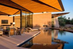 14- Rammed-Earth-Home par Kendle-Design-Collaborative - Arizona, USA © Alexander Vertikoff