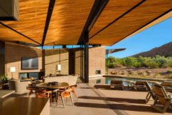 16- Rammed-Earth-Home par Kendle-Design-Collaborative - Arizona, USA © Alexander Vertikoff