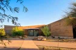 20- Rammed-Earth-Home par Kendle-Design-Collaborative - Arizona, USA © Alexander Vertikoff