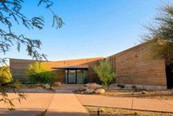 20- Rammed-Earth-Home par Kendle-Design-Collaborative - Arizona, USA © Alexander Vertikoff