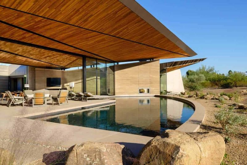 22- Rammed-Earth-Home par Kendle-Design-Collaborative - Arizona, USA © Alexander Vertikoff
