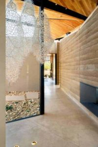 9- Rammed-Earth-Home par Kendle-Design-Collaborative - Arizona, USA © Alexander Vertikoff