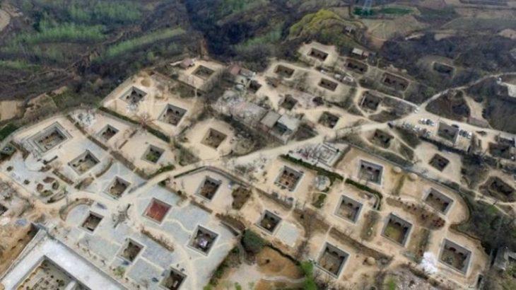 Une-ville-taupes-Chinois-vivent-sous-terre-depuis-4000-ans