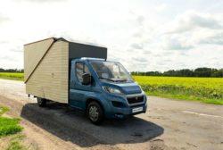 5- Micro-Cabin-Motorhome par Haaks Opperland campervan - Pays-Bas