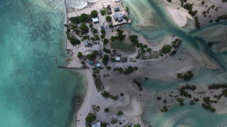 Une-Floating-Villages par Marcin Kitala - © Kiribati Mike Bowers