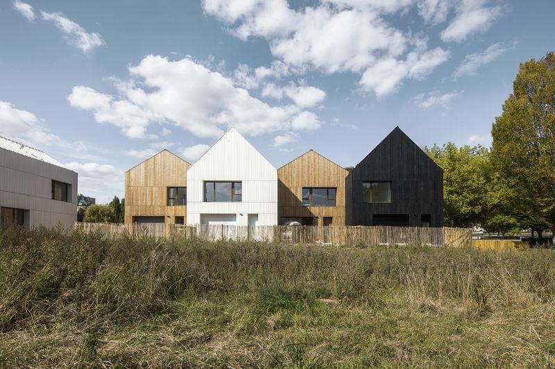 13 Maisons bois paille par NZI architectes - Nogent le Rotrou (FRr-28) © Juan Sepulveda Grazioli