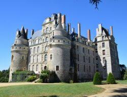Château de Brissac - plus haut château de France par la taille