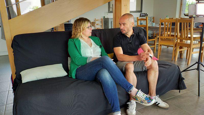 David et Séverine dans leur maison bois bioclimatique en Anjou