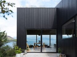 11-TGreen-Roof-KRADS-Islande-credits-photos-Marino-Thorlacius