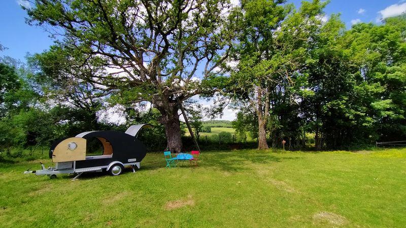 Teardrop et cabane dans arbre - West Wood Tiny - photo Pascal Faucompré - Build Green