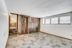 Eart -Sheltered Home - Jennifer Rios - Winsconsin -Usa-credits- Photo- VRX-Media-Group