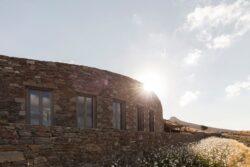 7-Xerolithi-House-Sinas-Architects-SERIFOS-Grece-credits-photos-Yiorgos-Kordakis