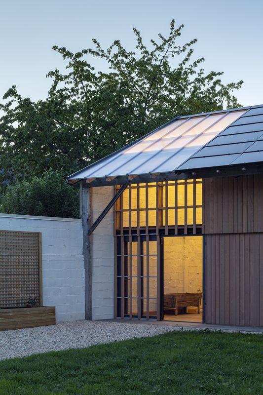 Hangar réhabilité par Haddock architecture - Chantepie (FR-35)