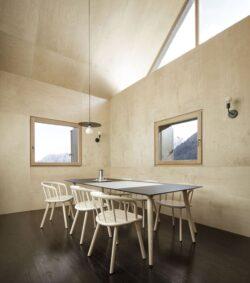 5-House-Cinsc-ATOMAA-VARZO-Italie-credits-photos-Alberto-Strada
