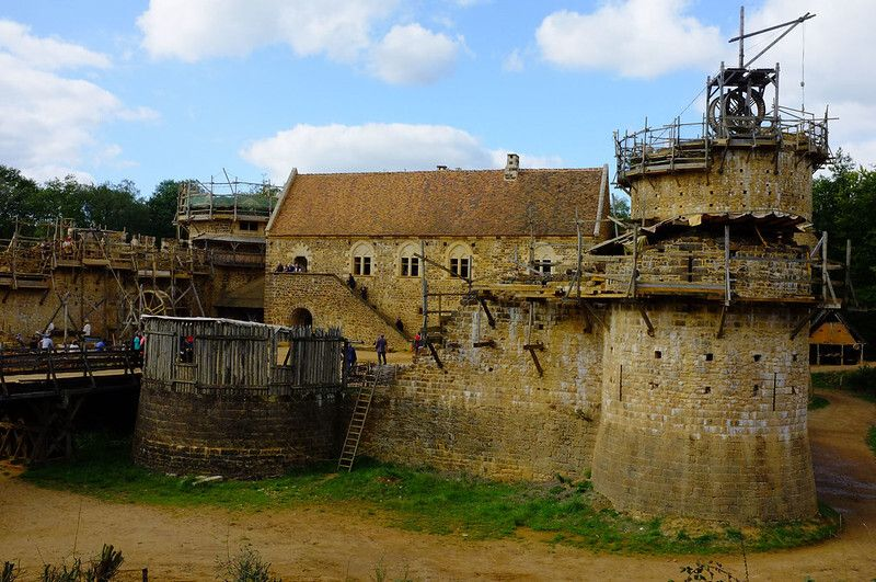 7-Guedelon-Giovana-Martino-Treigny-France-credits-photos-mksfca-via-Visualhunt