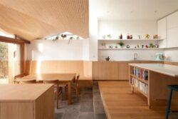 4-Wood-Home-Addition-Turner-Architects-Angleterre-credits-photos-Adam-Scott